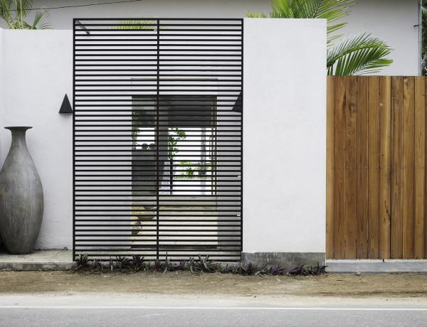 Woolamai Beach House, Thalpe, Sri Lanka - entrance